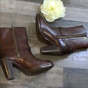 Frye Shoes - FRYE Boots Brown Heeled size 8